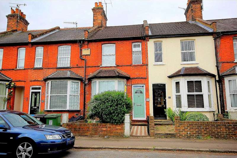 3 Bedrooms Cottage House for sale in SUPERBLY presented 3 BED CHARACTER cottage Ashley Villas, Weymouth Street, Apsley