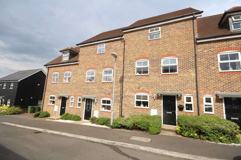4 Bedrooms Town House for sale in Grouse Meadows, Bracknell