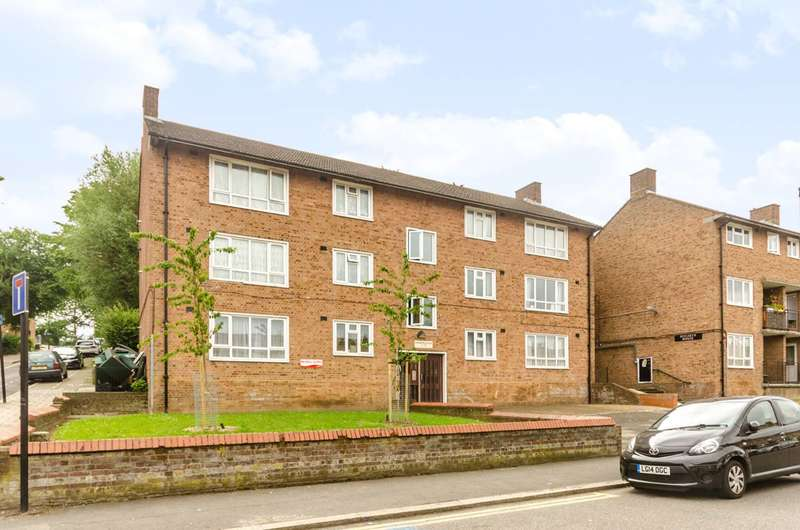 2 Bedrooms Flat for sale in Bentons Lane, West Norwood, SE27