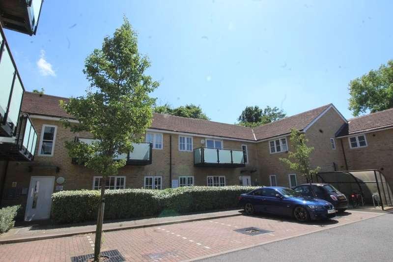 2 Bedrooms Flat for sale in Talehangers Close, Bexleyheath, DA6