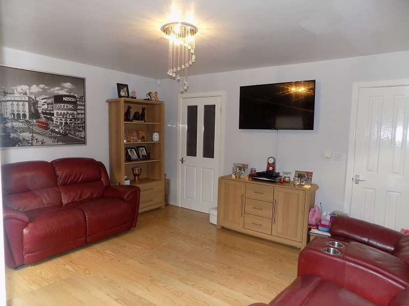 4 Bedrooms End Of Terrace House for sale in Filas Wessex, High Street, Ogmore Vale, Bridgend. CF32 7AE