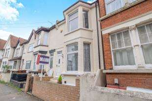 3 Bedrooms Terraced House for sale in Windmill Road, Gillingham, Kent, .