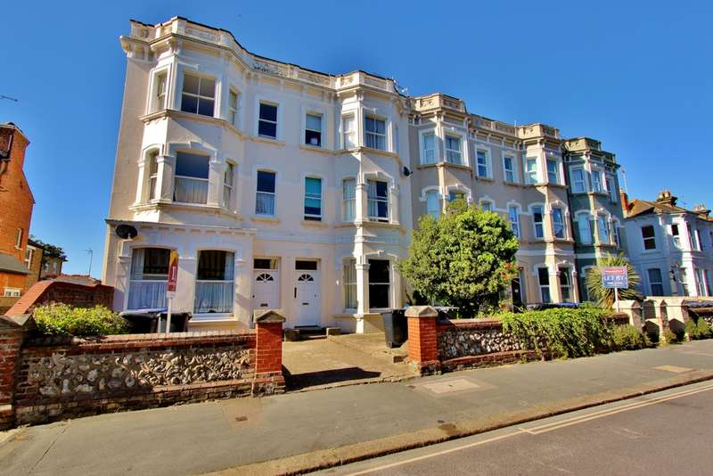 Studio Flat for sale in Rowlands Road, Worthing, BN11