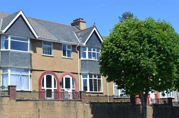 3 Bedrooms Terraced House for sale in Old Laira Road, Plymouth, Devon