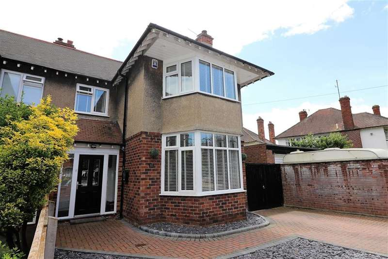 3 Bedrooms Semi Detached House for sale in Queens Avenue, Meols, Wirral, CH47 0LS