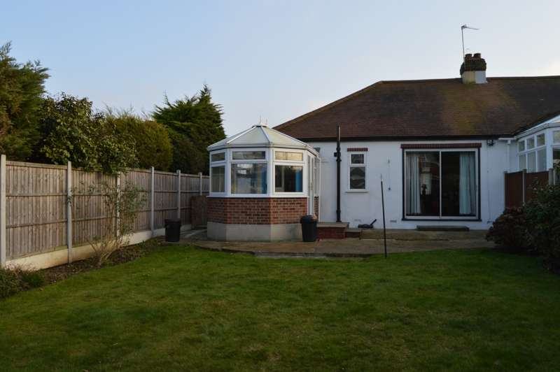 2 Bedrooms Semi Detached House for sale in Upland Court Road, Harold Wood