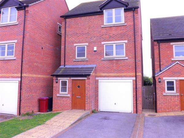 4 Bedrooms Detached House for sale in Brook Lane, Clowne, Chesterfield