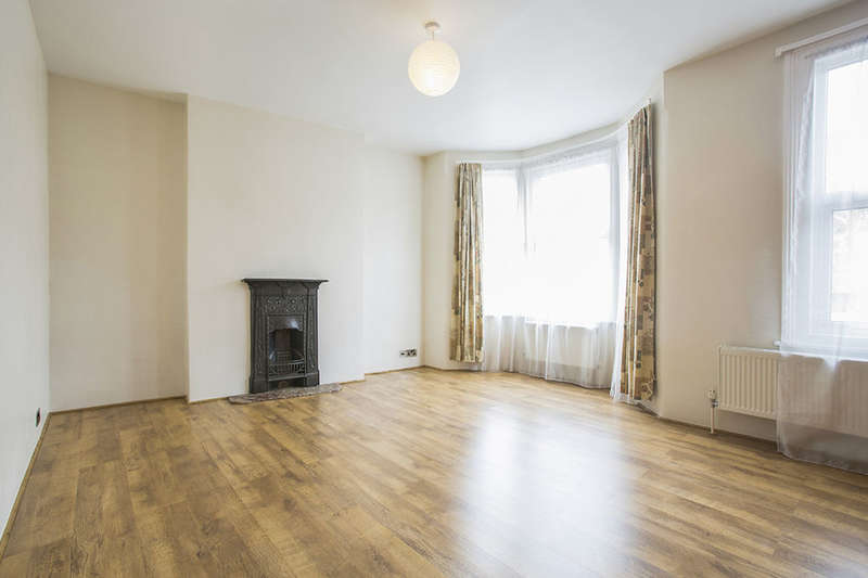 3 Bedrooms Property for sale in Crofton Road, London, E13