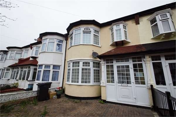 3 Bedrooms Terraced House for sale in Ashley Road, Thornton Heath, Surrey