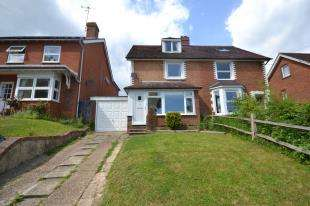 3 Bedrooms Semi Detached House for sale in High Street, Etchingham, East Sussex