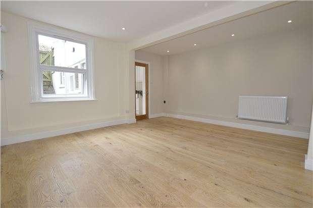 1 Bedroom Flat for sale in Bohemia Road, ST LEONARDS, TN37 6RB