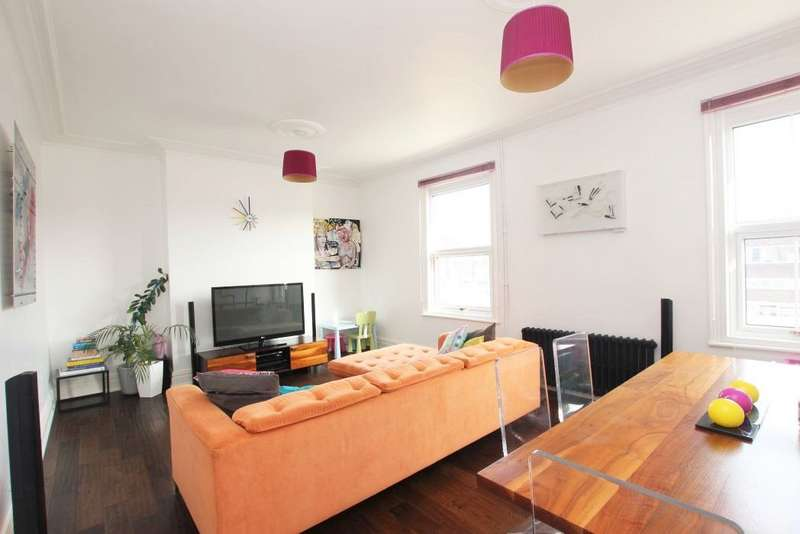 3 Bedrooms Flat for sale in HIGH STREET, CLEETHORPES
