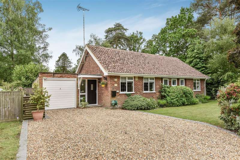 3 Bedrooms Bungalow for sale in Leyside, Edgcumbe Park, Crowthorne