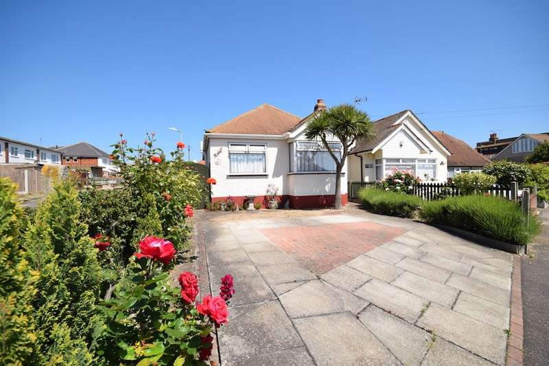 2 Bedrooms Bungalow for sale in Grand Drive, Herne bay, Kent, CT6