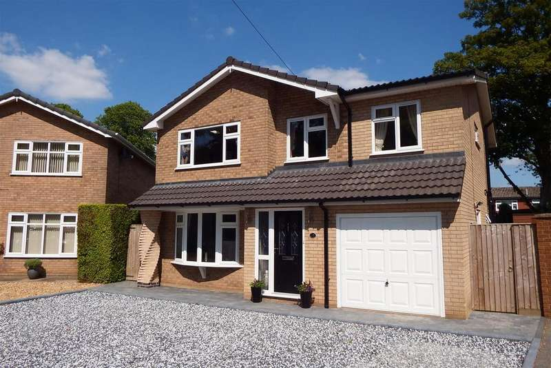 4 Bedrooms Detached House for sale in Lime Grove, Holbeach