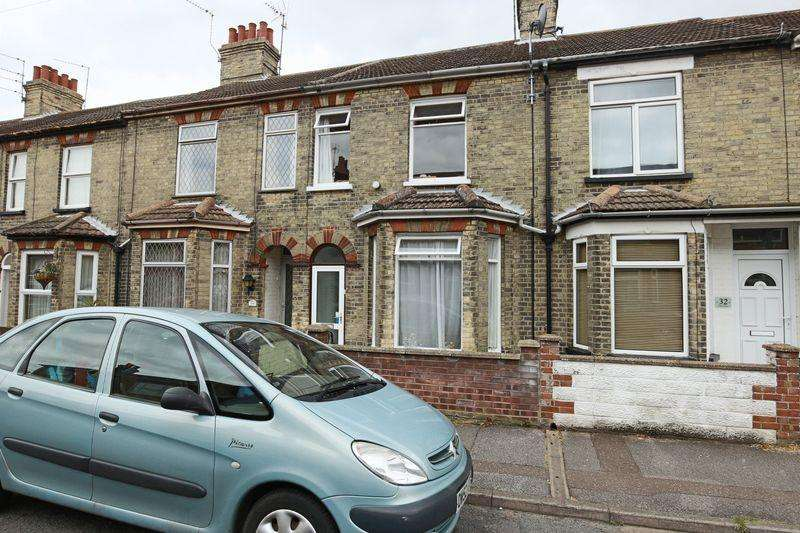 3 Bedrooms Terraced House for sale in John Street, Lowestoft