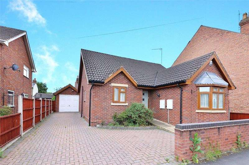 3 Bedrooms Detached Bungalow for sale in Vernon Road, Stourport-on-Severn, DY13
