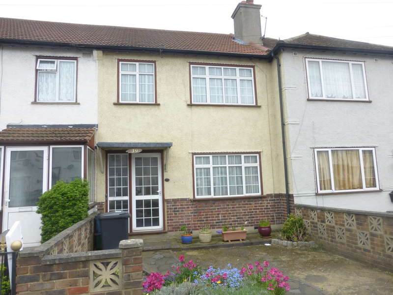 3 Bedrooms Terraced House for sale in Thornton Avenue, Croydon, CR0 3BW