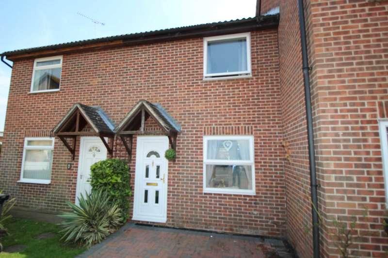 2 Bedrooms Terraced House for sale in Dunlin Close, Heybridge