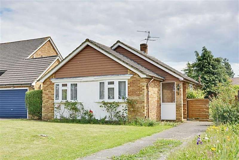 2 Bedrooms Bungalow for sale in Warwick Close, Hertford, Herts, SG13