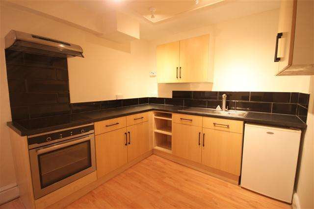1 Bedroom Apartment Flat for sale in Cullompton EX15 1LF