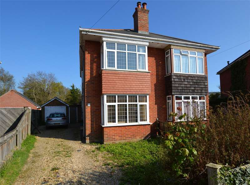 2 Bedrooms Semi Detached House for sale in Burrard Grove, Lymington, Hampshire, SO41