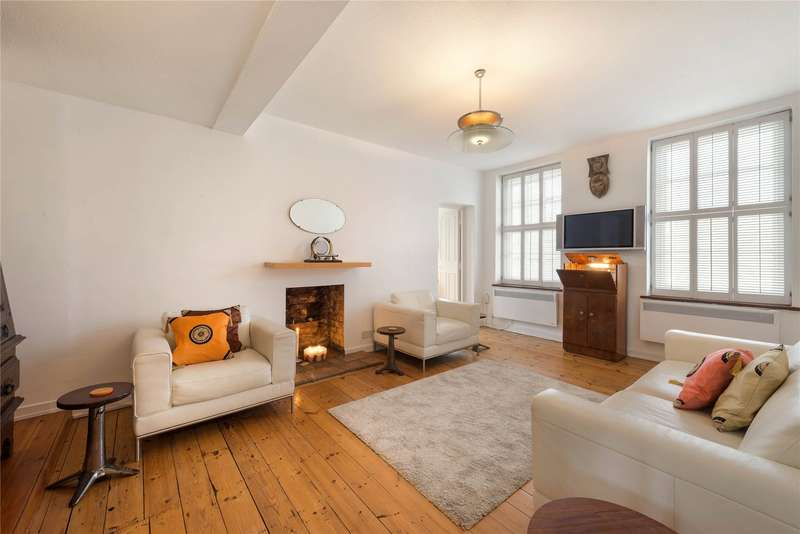 2 Bedrooms Flat for sale in White House, Vicarage Crescent, London, SW11