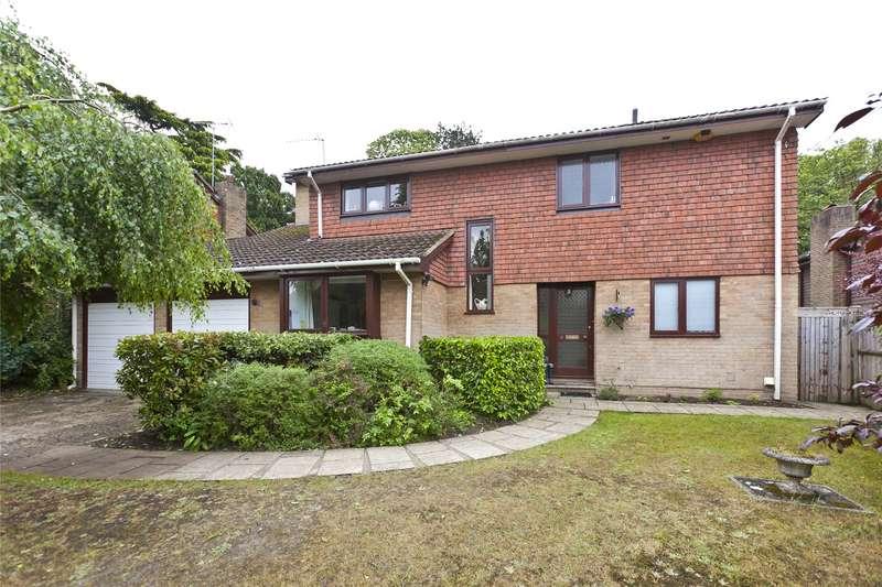 5 Bedrooms Detached House for sale in Beechwood Drive, Cobham, Surrey, KT11