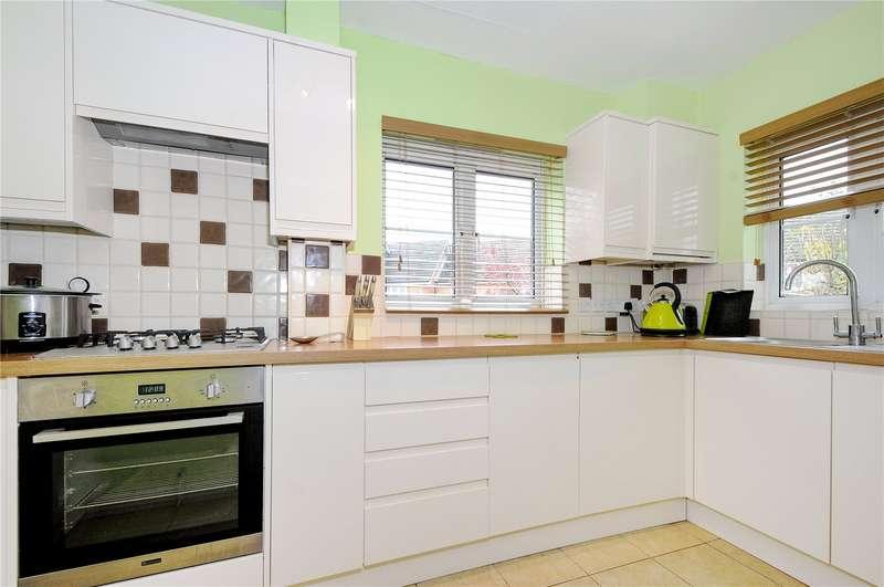 3 Bedrooms End Of Terrace House for sale in Lyon Oaks, Warfield, Berkshire, RG42