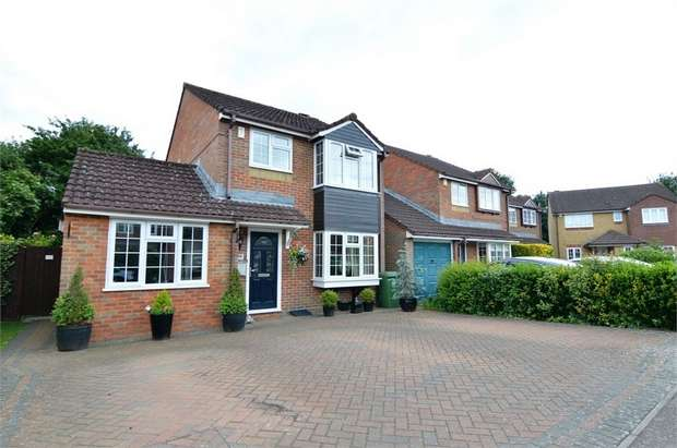 4 Bedrooms Detached House for sale in Mortimer Gate, Thomas Rochford Way, Cheshunt, Hertfordshire