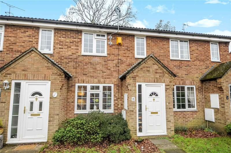 3 Bedrooms Terraced House for sale in Mulberry Close, Owlsmoor, Sandhurst, Berkshire, GU47