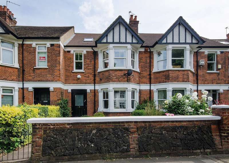 4 Bedrooms Terraced House for sale in Boston Manor Road, Boston Manor, TW8