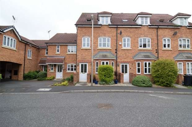3 Bedrooms Town House for sale in Mimosa Close, Elton, Chester, Cheshire
