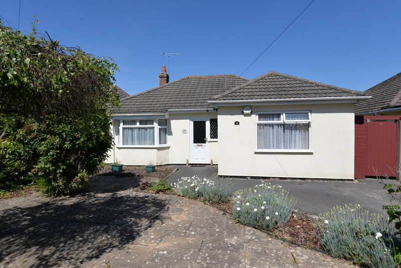 3 Bedrooms Detached Bungalow for sale in Moorland Avenue, Barton on Sea