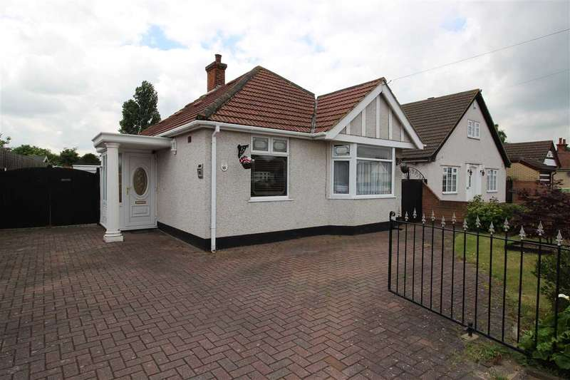 2 Bedrooms Detached House for sale in Blackshots Lane