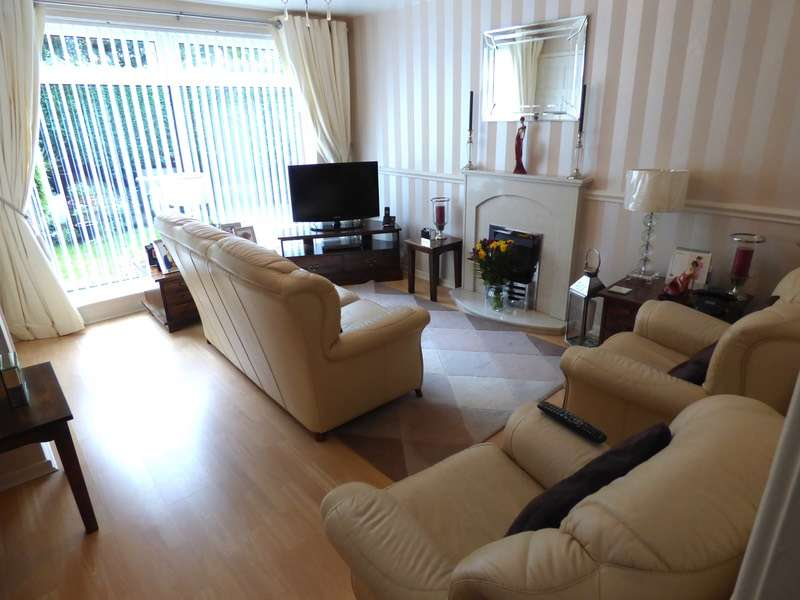 3 Bedrooms Link Detached House for sale in Maple Close, Stockport, Cheshire, SK2