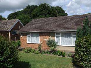 2 Bedrooms Bungalow for sale in Stream Pit Lane, Sandhurst, Cranbrook, Kent