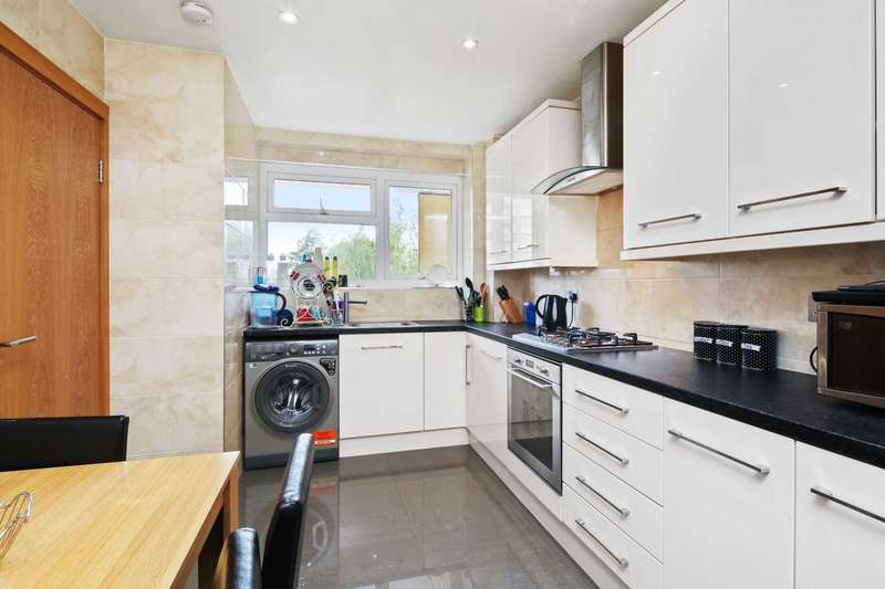 2 Bedrooms Apartment Flat for sale in Lime Grove, Shepherds Bush, London W12 8ED