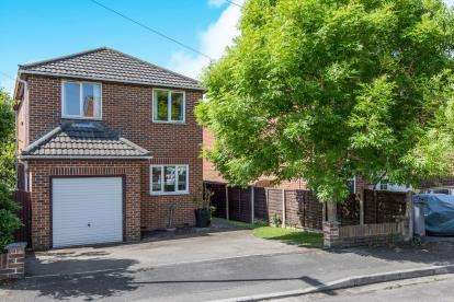 3 Bedrooms Detached House for sale in Waterlooville, Hampshire, Uk