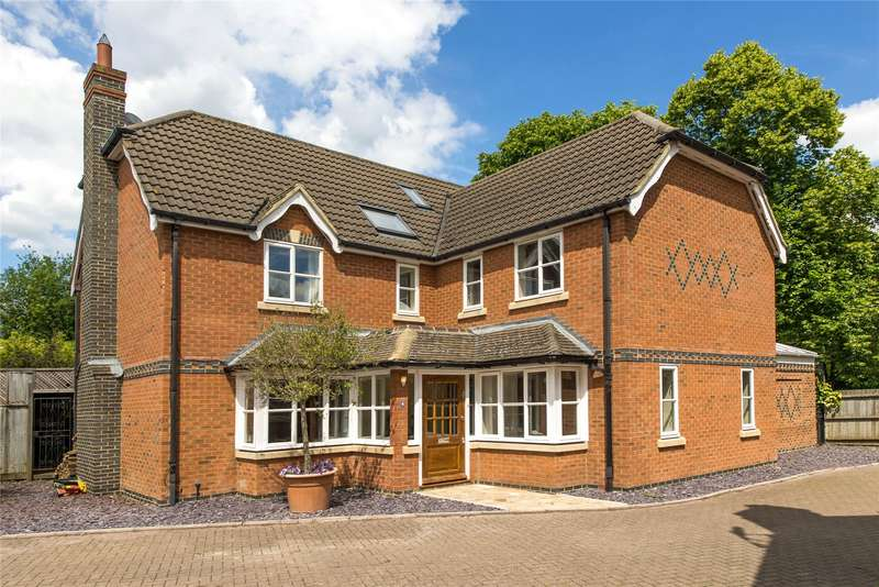 6 Bedrooms Detached House for sale in Wessex Close, Thames Ditton, Surrey, KT7