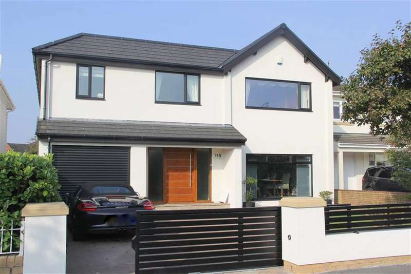 4 Bedrooms Detached House for sale in Blackpool Road, Lytham