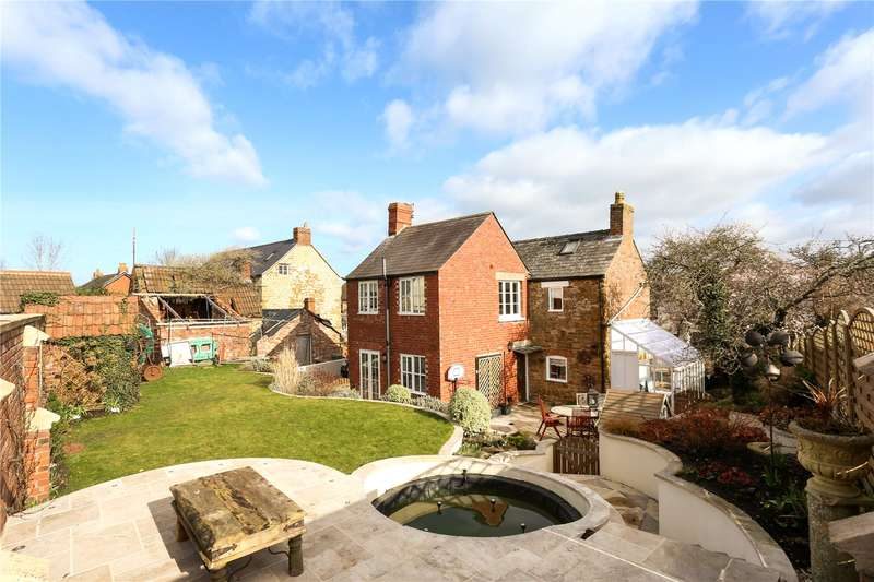 3 Bedrooms Detached House for sale in Chapel Street, Cam, Dursley, Gloucestershire, GL11