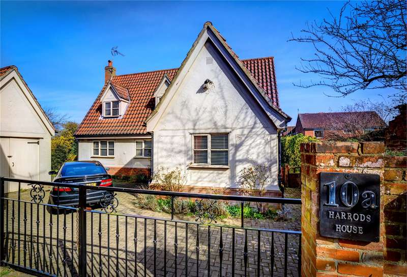 3 Bedrooms Detached House for sale in Dunmow