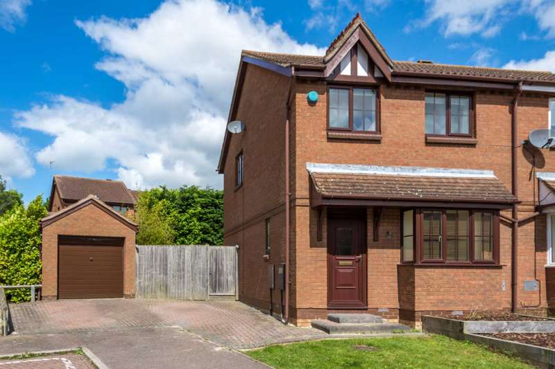 3 Bedrooms Semi Detached House for sale in Fontwell Drive, Bletchley