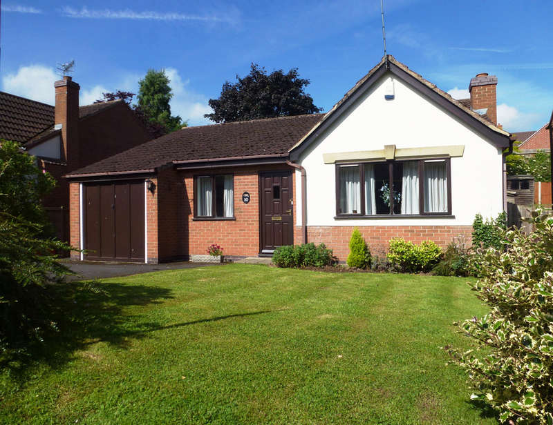 3 Bedrooms Detached Bungalow for sale in Fox Road, Castle Donington