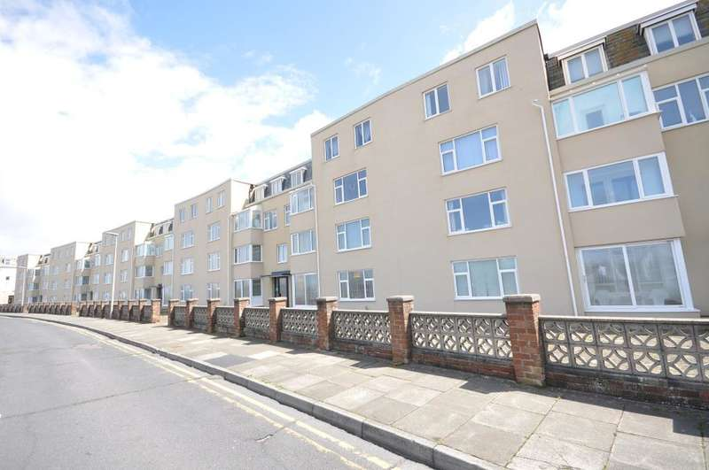 2 Bedrooms Apartment Flat for sale in Crescent Court, Promenade, Blackpool, Lancashire, FY4 1ST