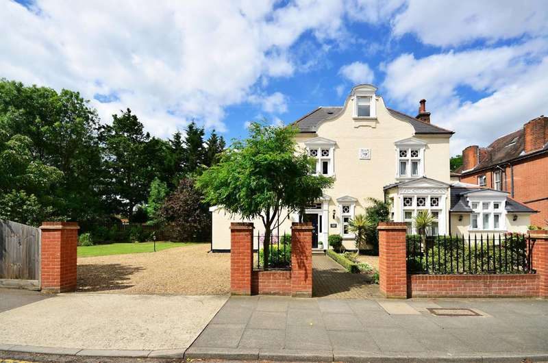 8 Bedrooms Detached House for sale in Cranes Park, Surbiton, KT5