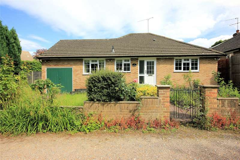 3 Bedrooms Detached Bungalow for sale in College Lane, Woking, Surrey, GU22
