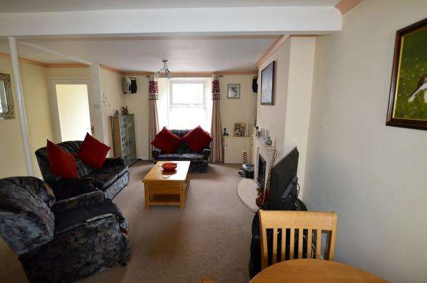 2 Bedrooms Terraced House for sale in Chyandour Place, Penzance, Cornwall