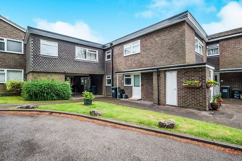 1 Bedroom Flat for sale in Kitters Green, Abbots Langley, WD5